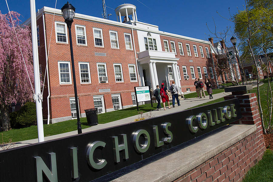 Hollywood producer to deliver Nichols College commencement address