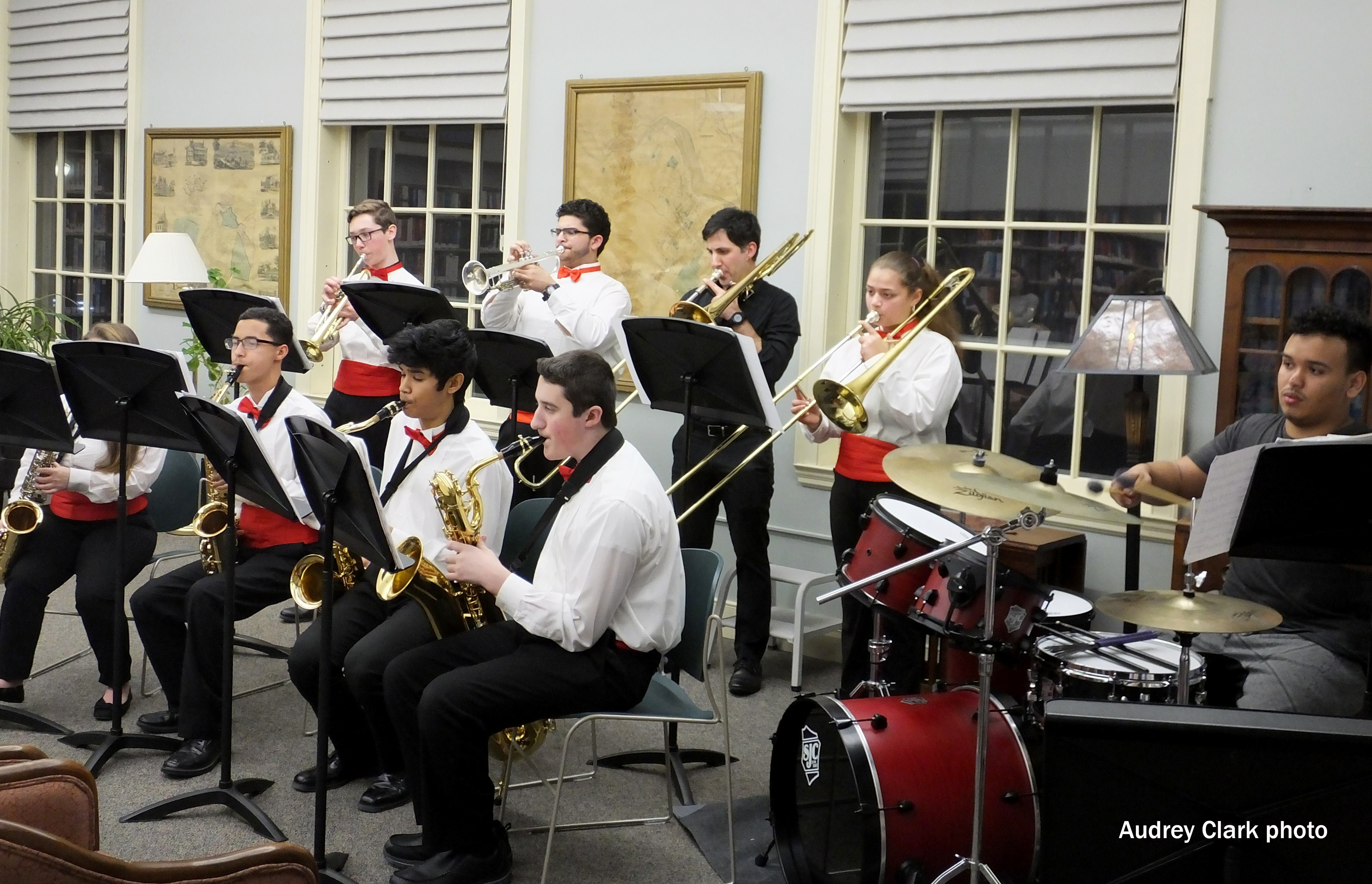 High school jazz band performs at Southbridge library