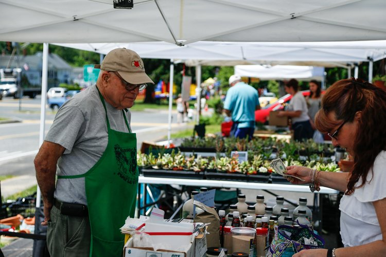 Farmers' Market opens up this weekend in Brimfield