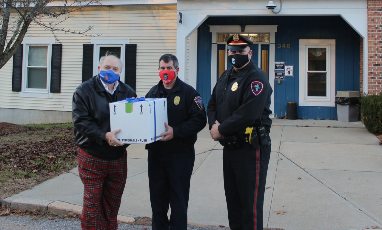 Sturbridge Rotary gifts masks to local first responders