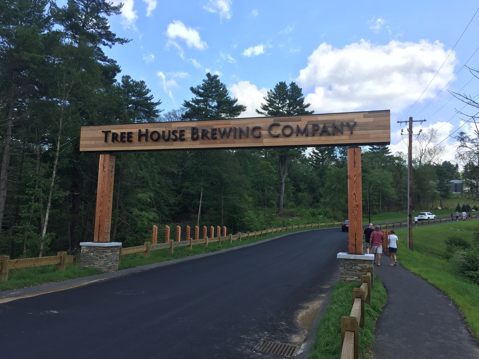Selectmen give police power to enforce brewery traffic