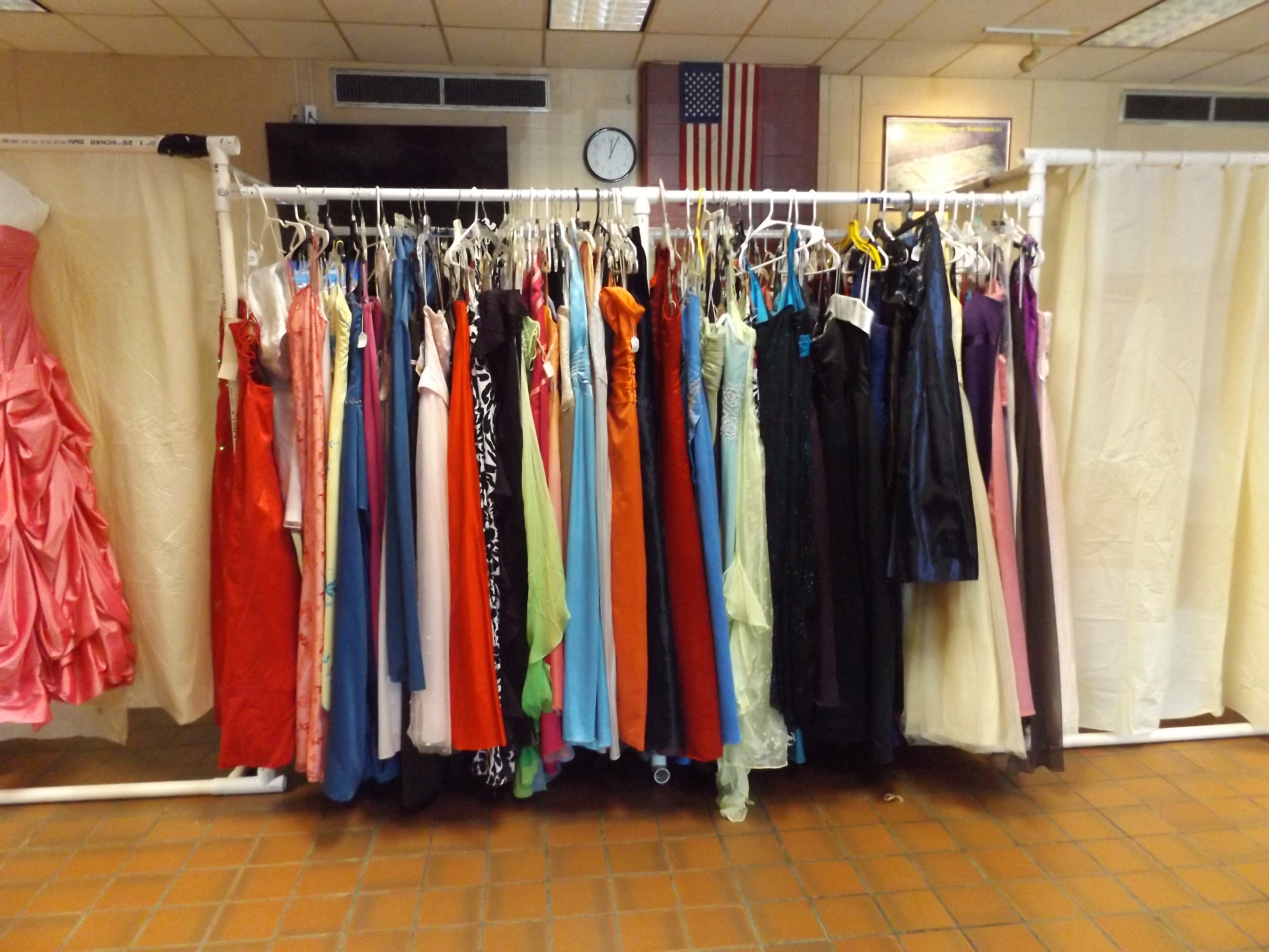 Prom dress swap a pretty good event for high schoolers