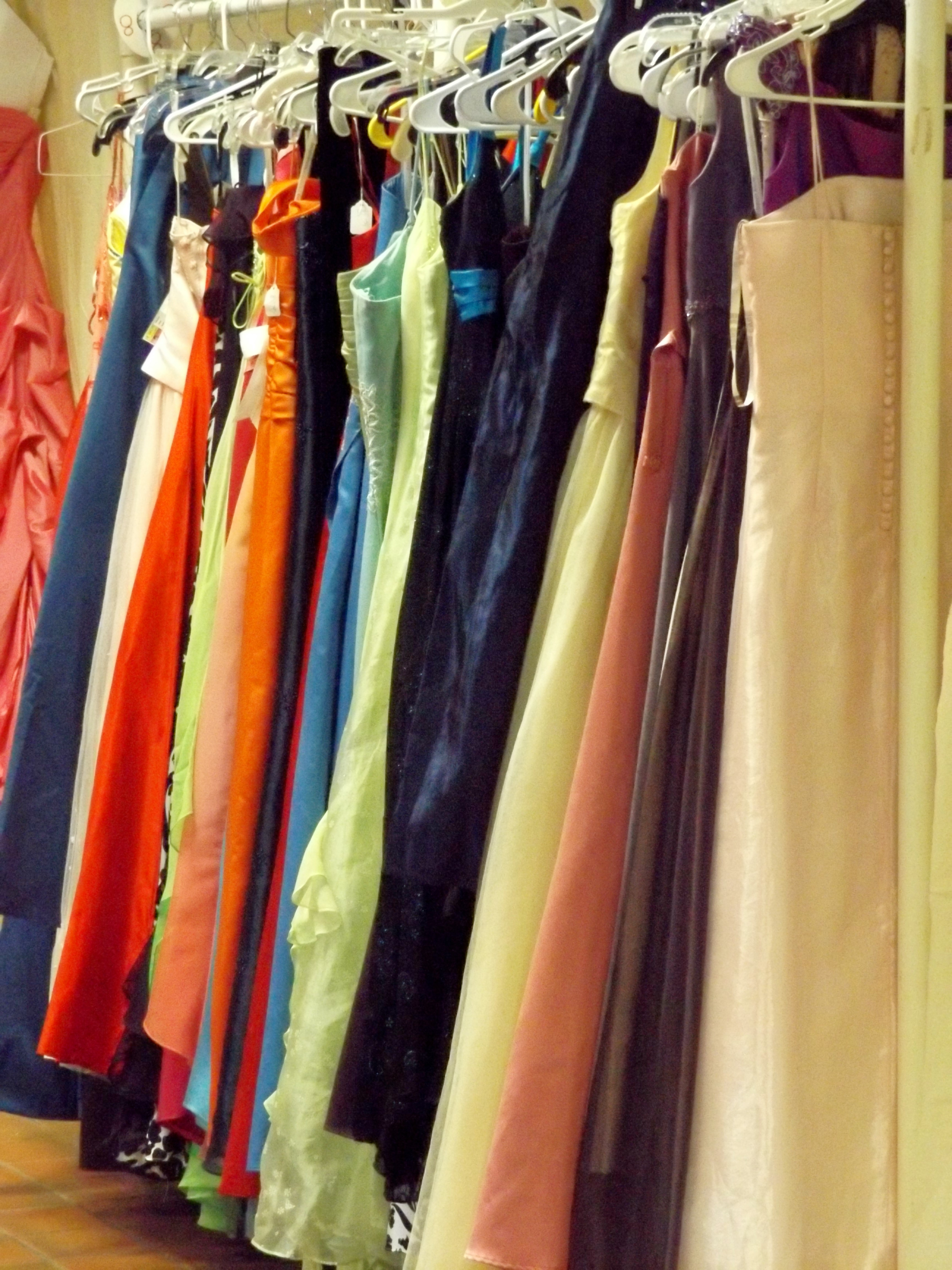Hill students to host Prom Dress Swap